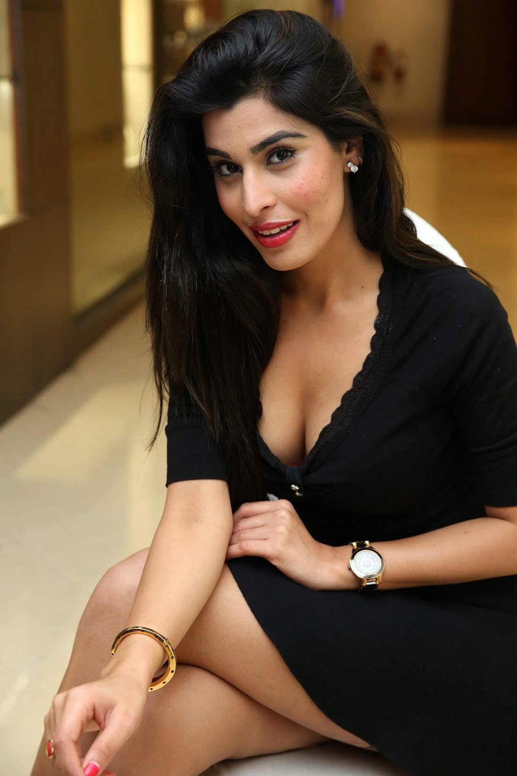 ONLY INDIAN: Hot Indian Girls