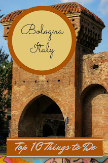 Sidewalk Safari - Top 10 Things to do on a Weekend Citybreak in Bologna in June - http://www.sidewalksafari.com/2015/09/top-10-weekend-in-bologna-italy.html