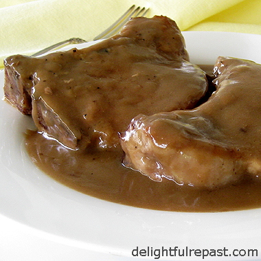 Pork Chops and Gravy/Sauce - The Pork Chop Incident (funny story!) / www.delightfulrepast.com