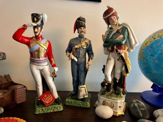 Napoleonic hussards figures