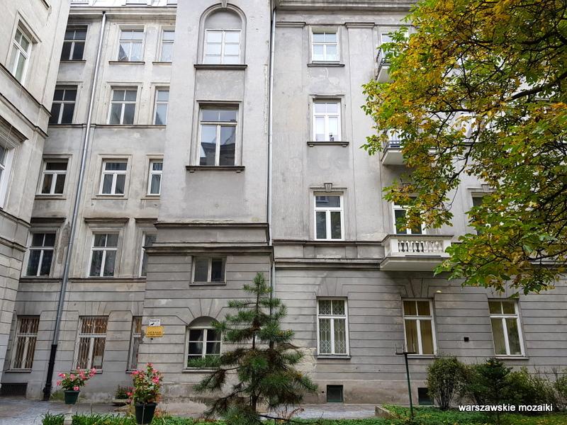 podwórko Warszawa Warsaw kamienica architektura architecture zabytek przedwojenna kamienica Śródmieście