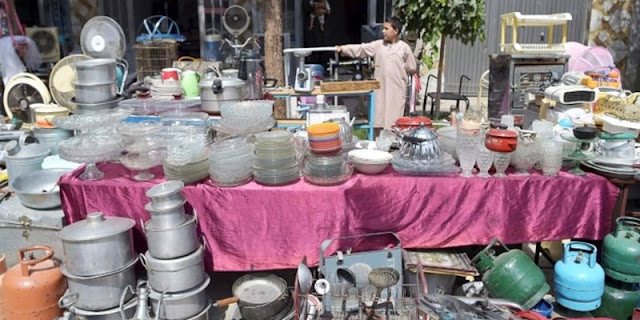 Demi Bertahan Hidup dan Segera Pergi ke Luar Negeri, Warga Afghanistan Beramai-ramai Jual Barang di Pasar Loak