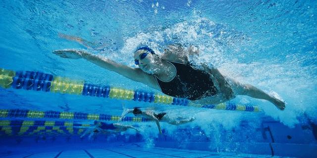 Cara cepat agar bisa berenang