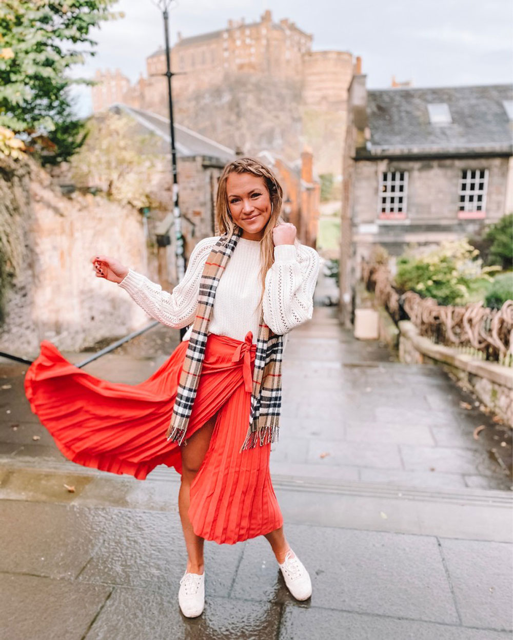 Oklahoma blogger Amanda Martin wears a sweater, sneakers and midi skirt for Thanksgiving