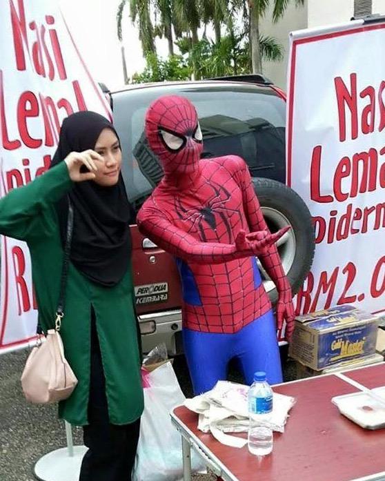 Lelaki Spiderman jual nasi lemak RM2 di Kelantan kongsi kisah kejayaan