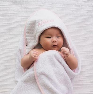 produk barangan bayi dari lovingly signed