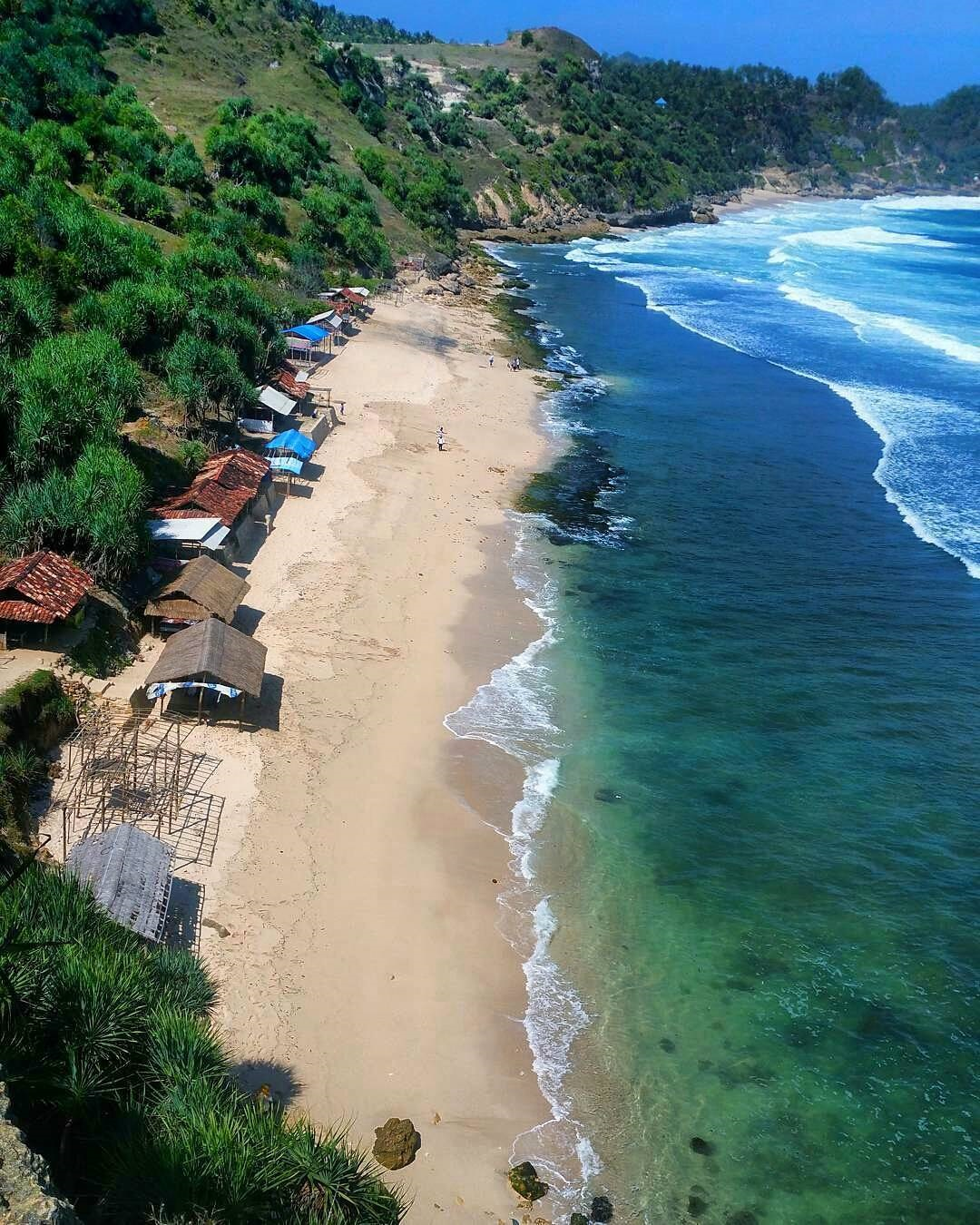 Fasilitas Pantai Nampu