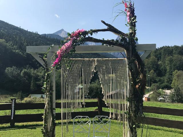 Hippie, Traumfänger, Hochzeit unter freiem Himmel, freie Trauung, Bergwiese, Garmisch-Partenkirchen, Riessersee Hotel, Berghochzeit in Bayern