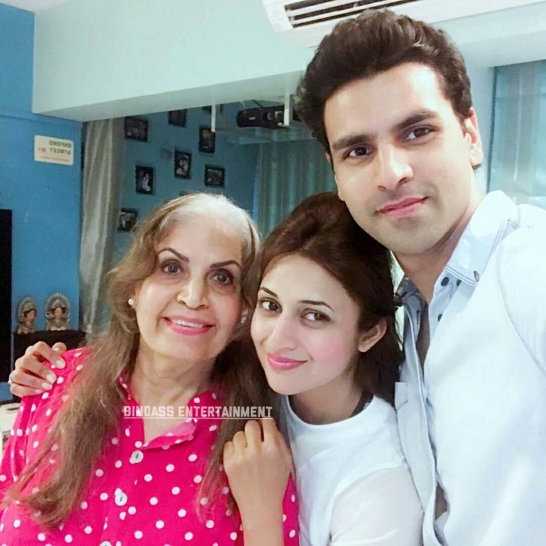divyanka tripathi family 3