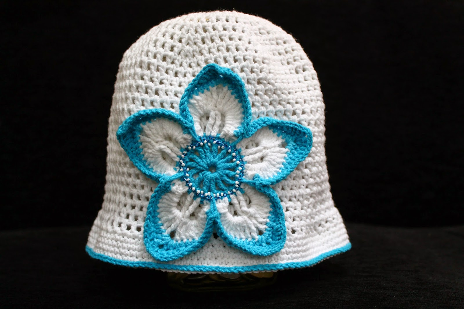 White crochet flower hat