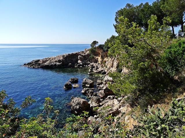 skaliste wybrzeże na Majorce