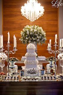 casamento com cerimônia na igreja são joão bastista em porto alegre e recepção na casa vetro com cerimonial e decoração elegante sofisticada luxuosa por life eventos especiais bolo de casamento na mesa de doces