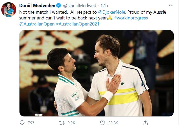 Dòng status của tay vợt Medvedev trên mạng xã hội sau trận chung kết Úc mở rộng 2021