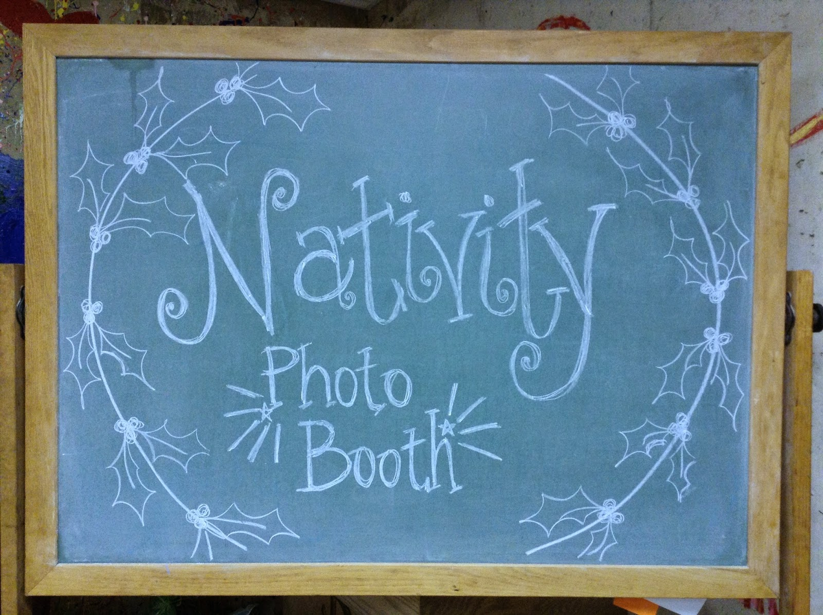 http://looktohimandberadiant.blogspot.com/2013/12/nativity-photo-booth.html