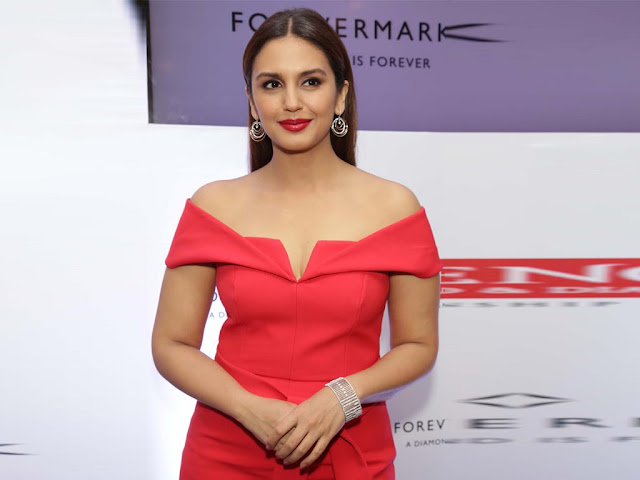 Huma Qureshi Images & Hot Photos