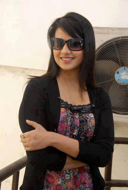 Punjabi bengali hot and beautiful desi girls englandiya - Punjabi desi pic ...