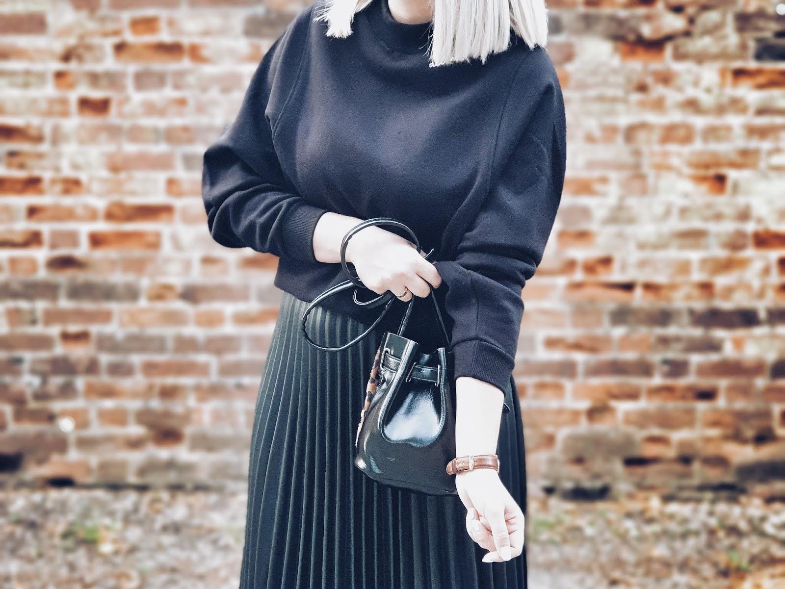 Faux leather pleated midi skirt czyli ugly shoes & plisy