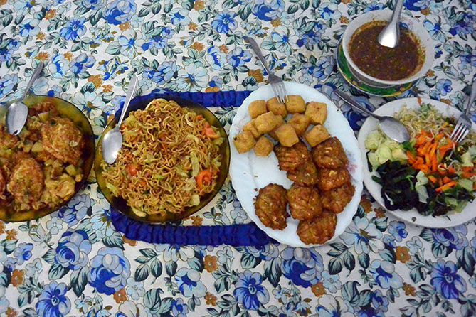 Sarapan dan makan malam menu ala desa