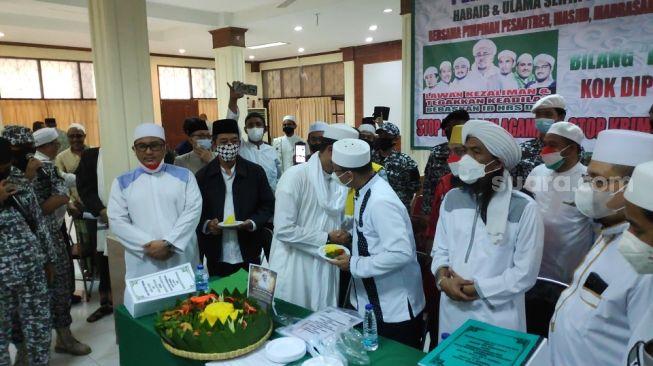 Hari Ulang Tahun Habib Rizieq Shihab, Ketua PA 212 hingga GNPF Ulama Gelar Potong Tumpeng