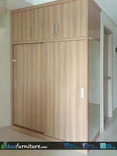 Lemari pakaian 2 pintu geser apartemen full plafon