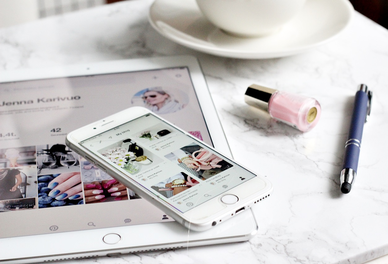 Ipad Air 2 Iphone 6 Inspiration Blogging My blog Arabia 24 h Mavala nailpolish