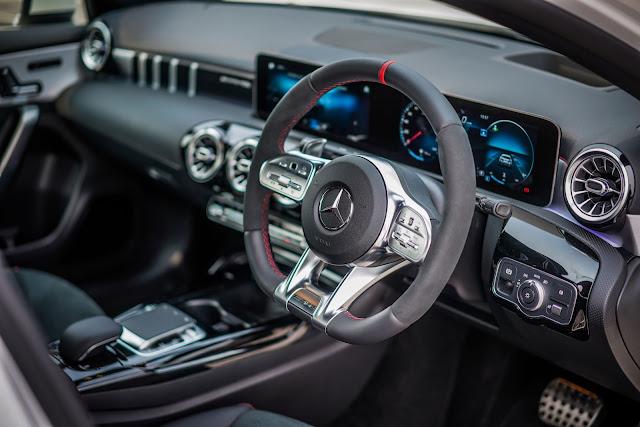 Đánh giá chi tiết về xe Mercedes AMG A35 4MATIC 2020