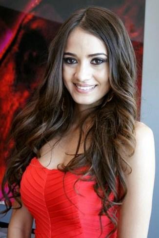 Miss Sinaloa killed in shootout   H/E