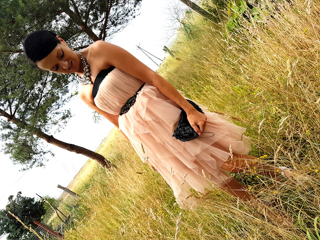 sukienka na wesele - makijaż na wesele - wedding dress - wedding makeup - Revers Cosmetics - efekt lakieru hybrydowego - Revers Solar Gel