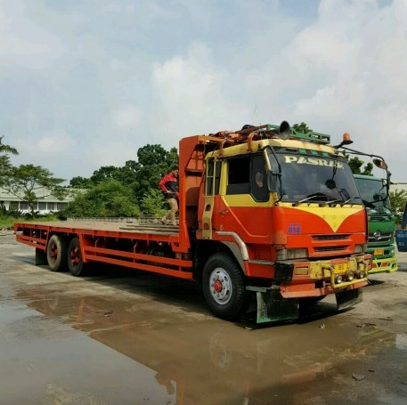 truk fuso built up bak panjang