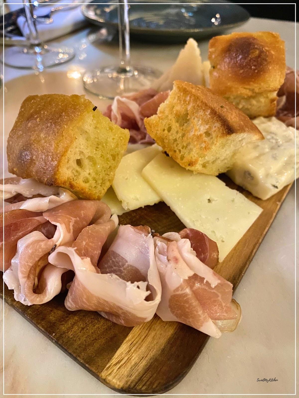 Visconti Chiado tábua mista queijos enchidos focaccia
