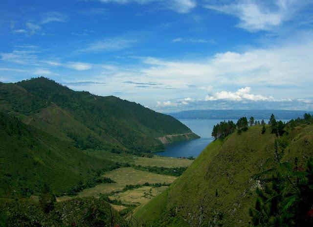 Kawasan Wisata Danau Toba tempat wisata di Medan yang wajib dikunjungi