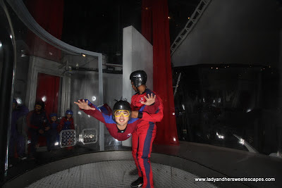 Ed flying at Ifly Dubai