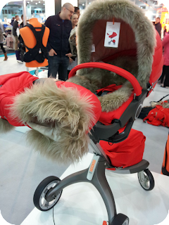 pushchair gloves, stokke explory winter kit, snuggly pushchair, winter pushchair