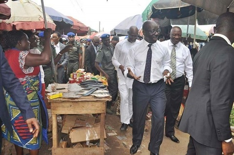 See What Edo Governor, Obaseki was Spotted Doing at a Market in Benin (Photos)