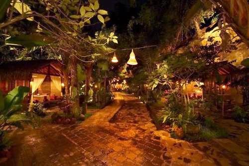 Kampung daun - tempat wisata kuliner di lembang
