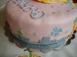 Detalle lateral tarta Rapunzel