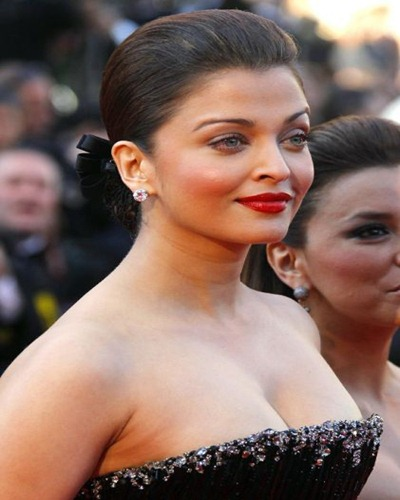 Bollywood Actress Aishwarya Rai Next Upcoming Movies List poster trailer on Mt Wiki. wikipedia, koimoi, imdb, facebook, twitter news, photos, poster, actress updates of Aishwarya Rai