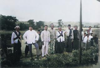 beberapa orang missionaris di samosir