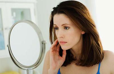 Cách sử dụng thuốc trị nám transino phù hợp phụ nữ 30 trở lên
