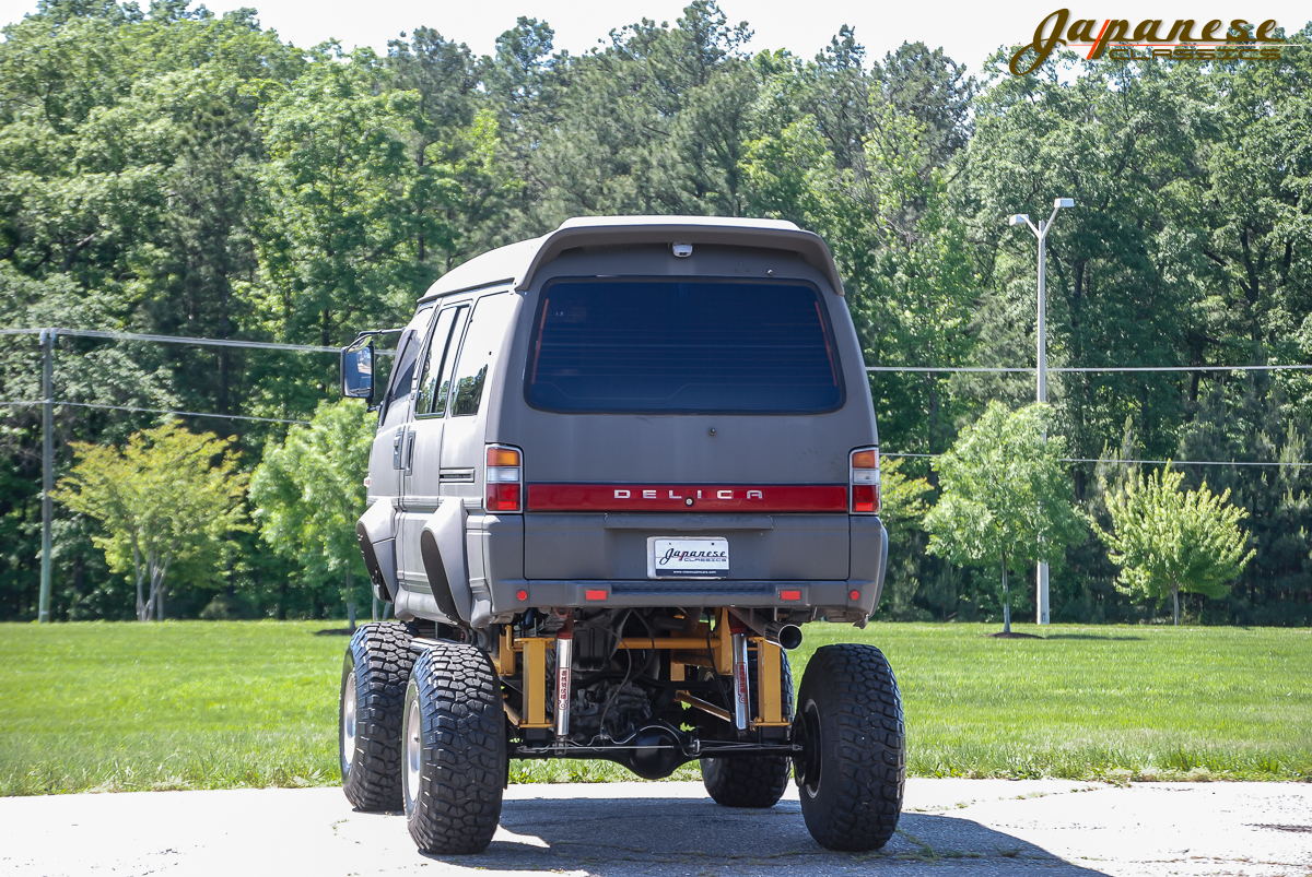 1991 Mitsubishi Delica Becomes A Japanese Monster Truck ...