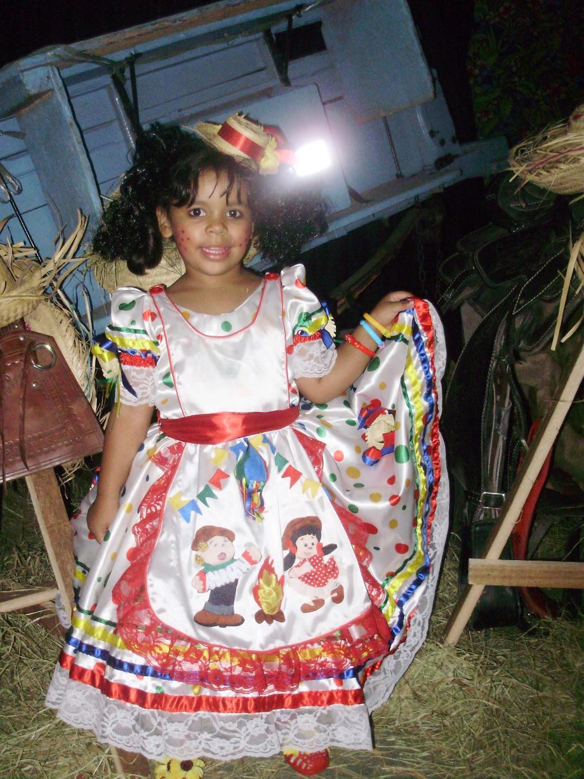 Sonhar E Criar Vestido De Quadrilha Infantil Colorido