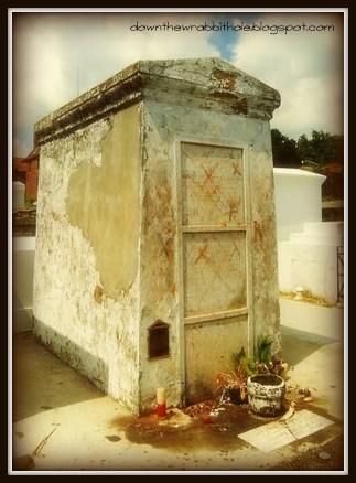 New Orleans cemetery, Marie Laveau grave, St. Louis Cemetery No. 1
