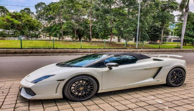 Tarif Pajak Mobil Mewah Lamborghini Indonesia