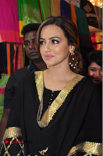Bollywood Actress Sana Khan Launches Aakrithi Exibition  0108.JPG