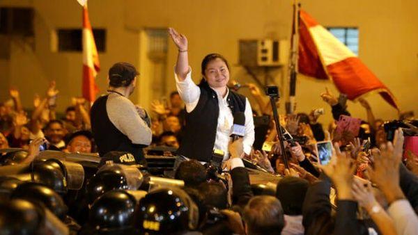 Keiko Fujimori sale de prisión tras orden de tribunal peruano