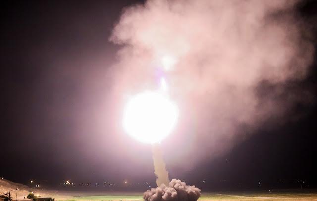 Regime iraniano ataca alvos do EI na Síria