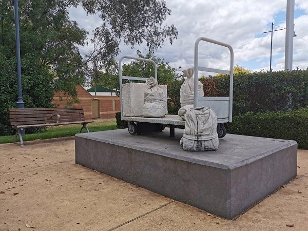 'Lost & Found' by Alex Seton | Albury Public Art