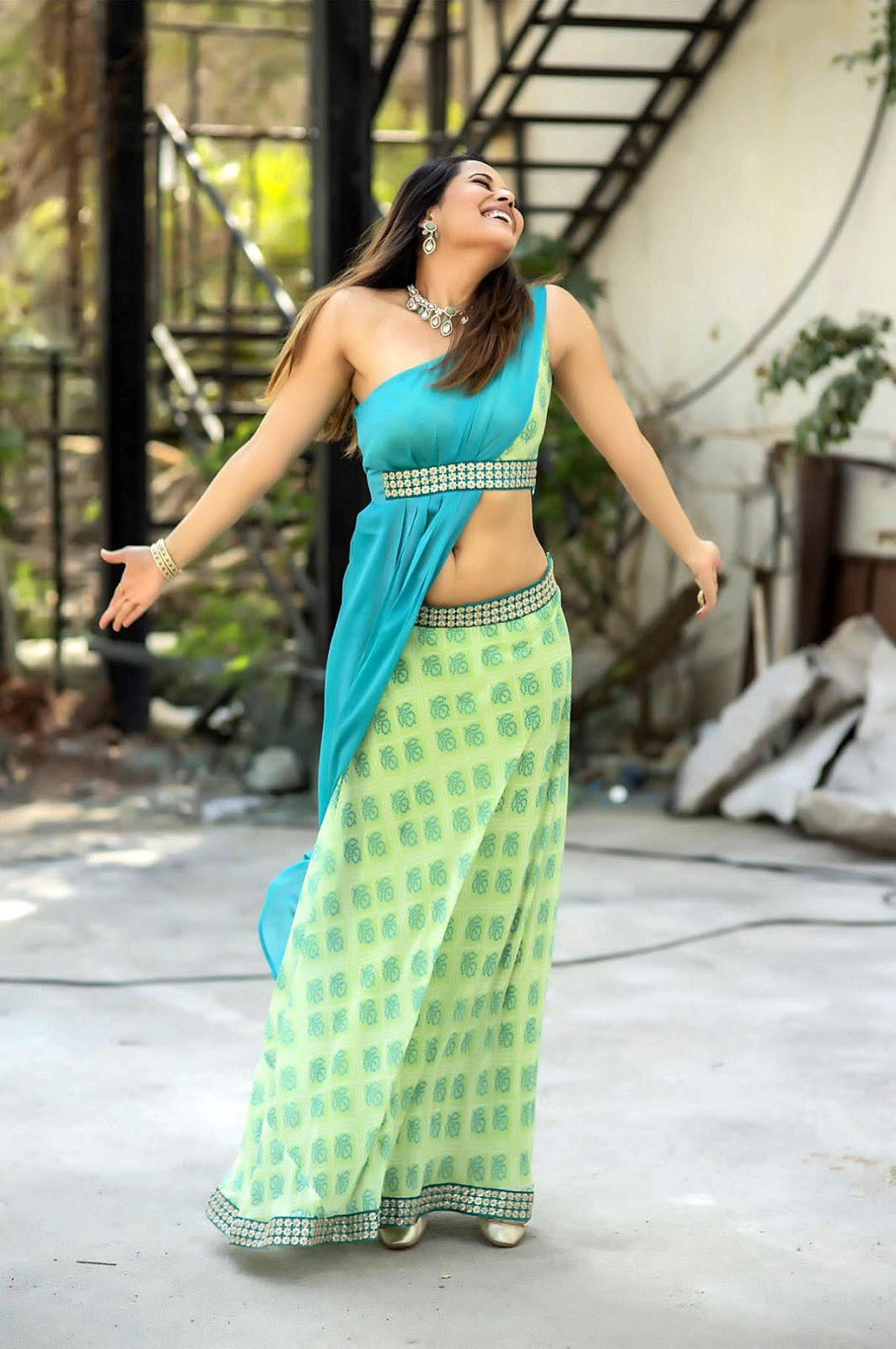 Anasuya Bharadwaj Hot Navel New Photos