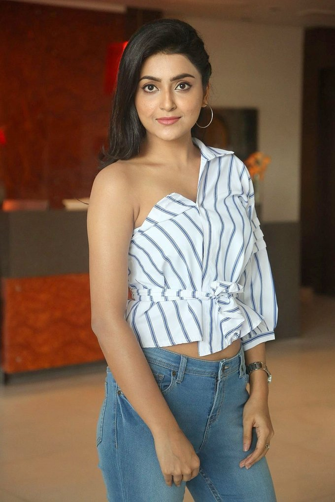 Glamours Delhi Actress Avantika Mishra Photo shoot In Blue Shirt Jeans