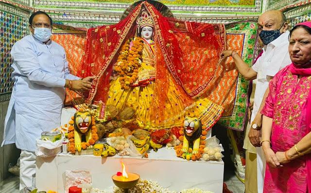 पूर्व मंत्री विपुल गोयल ने तत्कालेस्वर शिव मंदिर में माता रानी के श्रीचरणों में की ज्योति प्रचंड